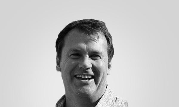Portrait of Simon Hampel